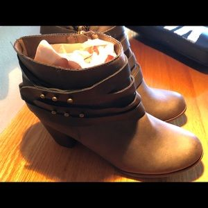 Mossimo Women's Brown Booties Size 10